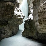 "Add This to the ""Before You Die"" List: The Maligne Canyon Ice Walk"
