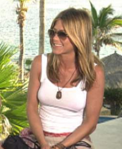 Jennifer Aniston soaks up some sun in Cabo